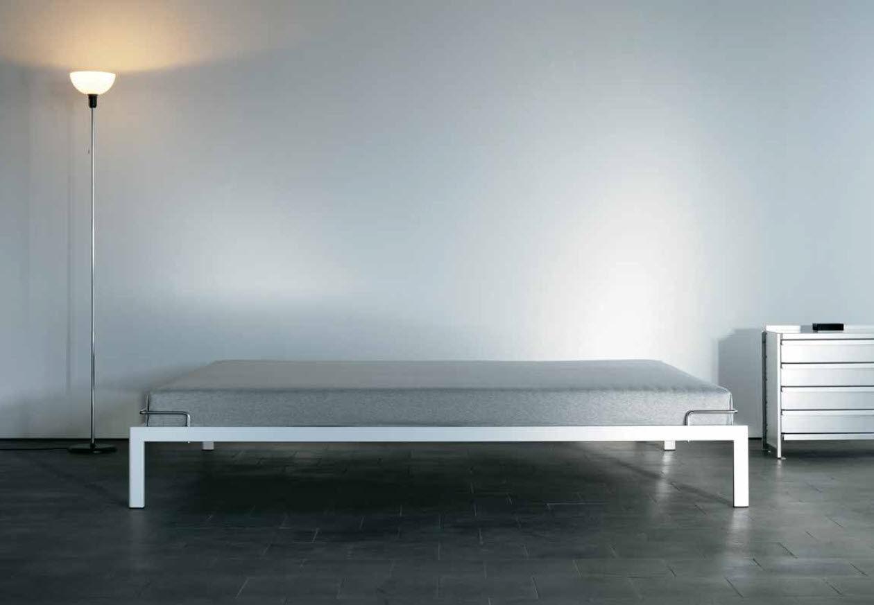 Einzelbett design  Standardbett / Einzel / modern / Holz - by Andreas Christen - Lehni
