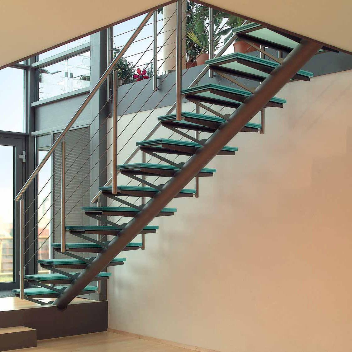 Gerade Treppe / Edelstahlgestell / Glasstufen / Ohne Setzstufe   MODERN  DESIGN