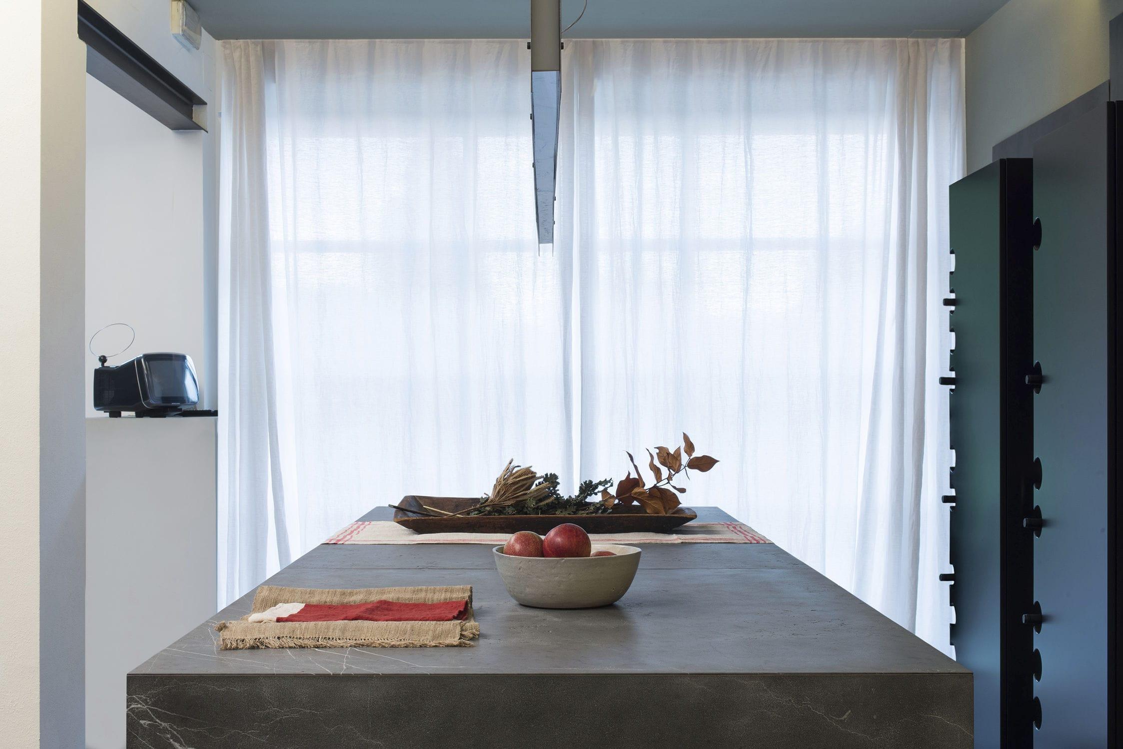 Moderne Küche / aus Stein / Kochinsel - 20141001_D90_ACCIAIO ...