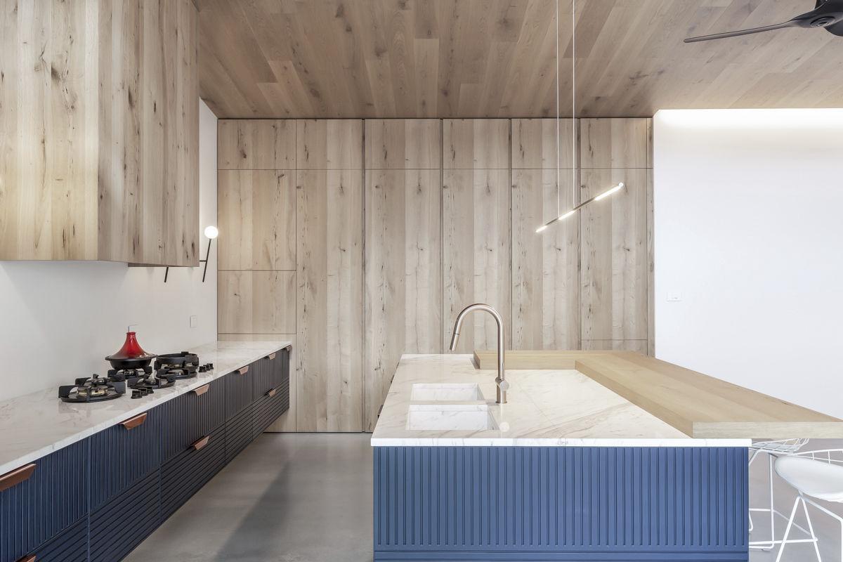 Moderne Küche Holz Stein Kochinsel Tm Italia