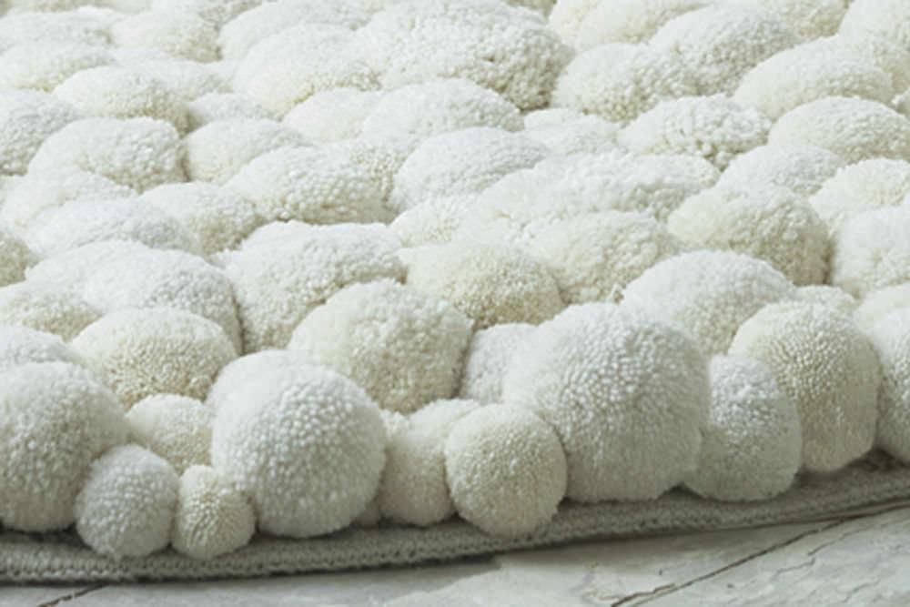 Teppich rund creme  Teppich / originelles Design / uni / aus Merino / rund - POMPON ...