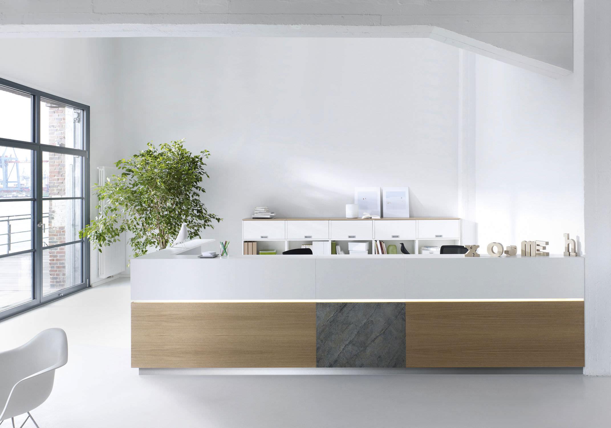 Holz-Empfangstheke - ENTREO - Hund Büromöbel