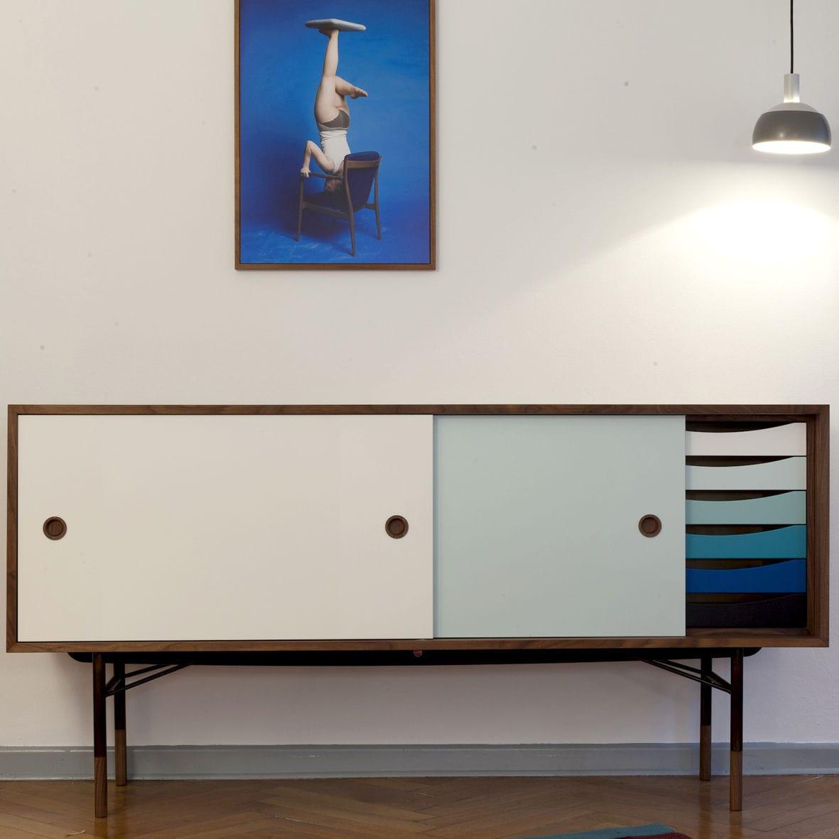 Sideboard / skandinavisches Design / aus Eiche / aus Nussbaum ...