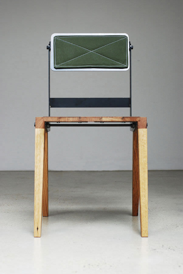 Barhocker Bauhaus stuhl bauhaus design aus recycling material aus laubholz