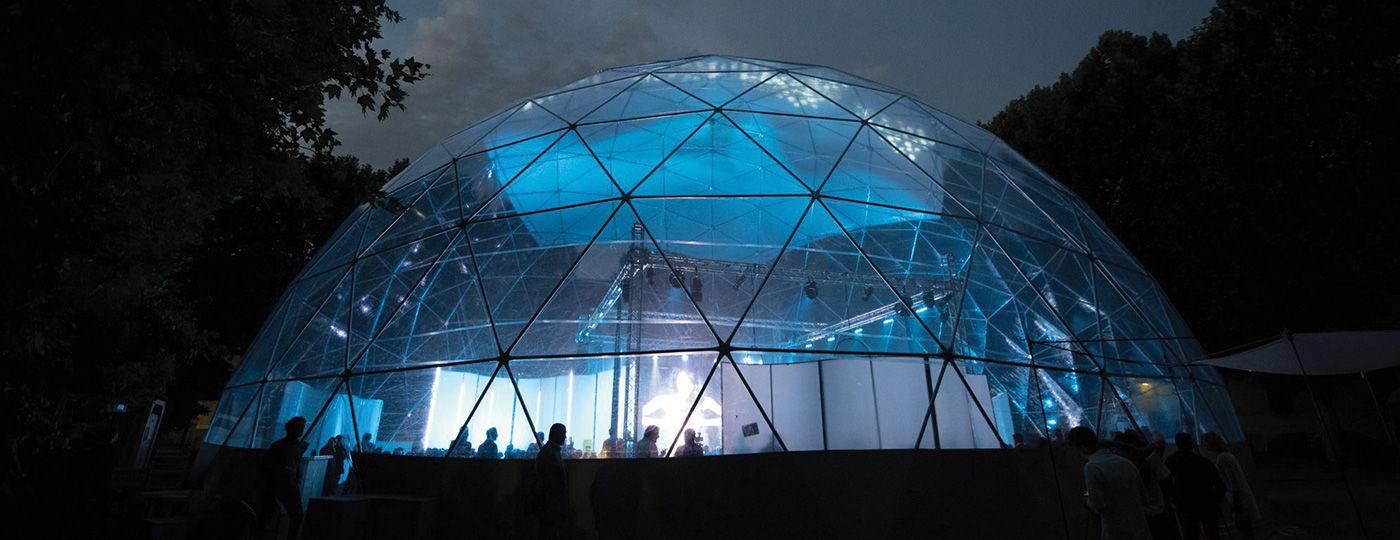 Geodätische Kuppel flächentragwerk mit geodätischer kuppel für dächer pvc folie