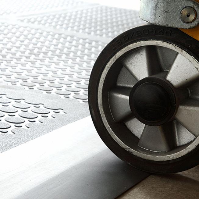 Bodenbelag Mit Blindenleitsystem Vinyl Für Industrielle Nutzung - Vinylboden für industrie