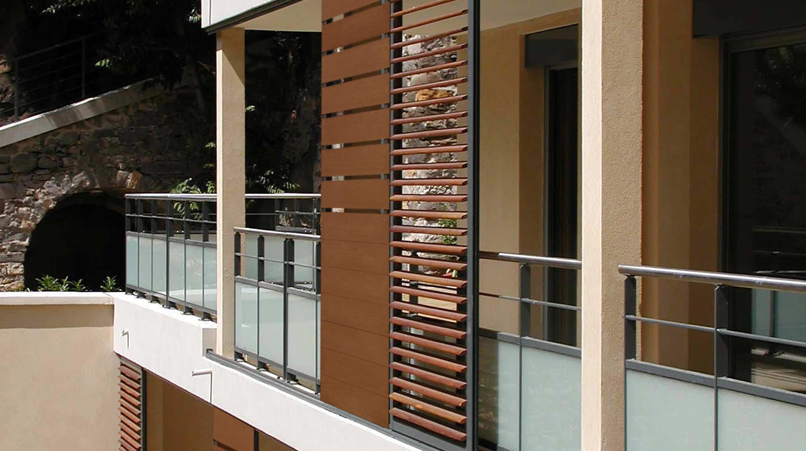 Schiebe Fensterläden fensterladen zum schieben lamellen aus wpc für fassaden