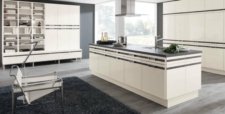 Moderne küche / laminat / kochinsel / lackiert   544 subra   wellmann