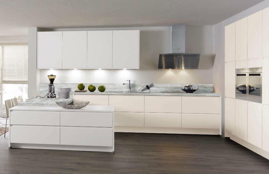 Moderne Küche / Holz / lackiert / matt - 675 FIALA - Wellmann