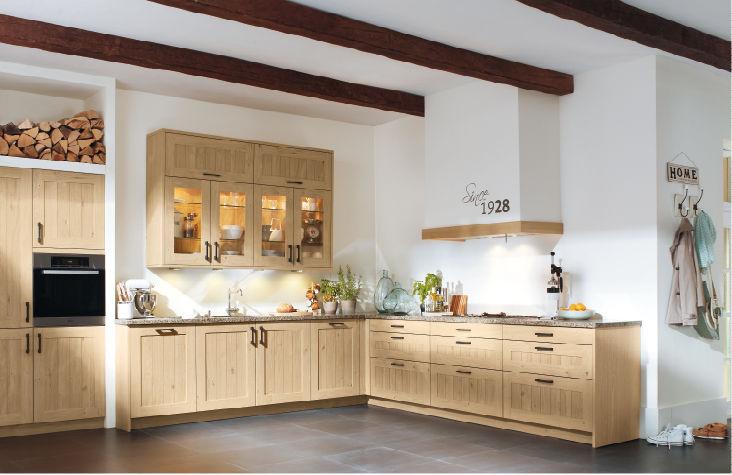 Klassische Küche / Massivholz / Holz / mit Griffen - XL 6930 ...