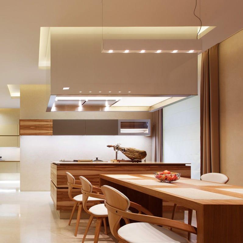 Moderne Küche / Nussbaum / Kochinsel - Penthouse Berlin