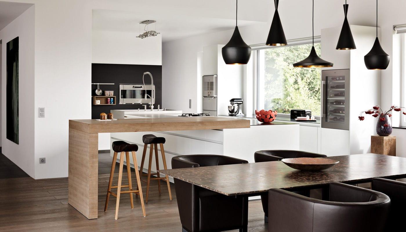 Moderne Küche / Edelstahl / Laminat / Kochinsel - VILLA VIENNA ...