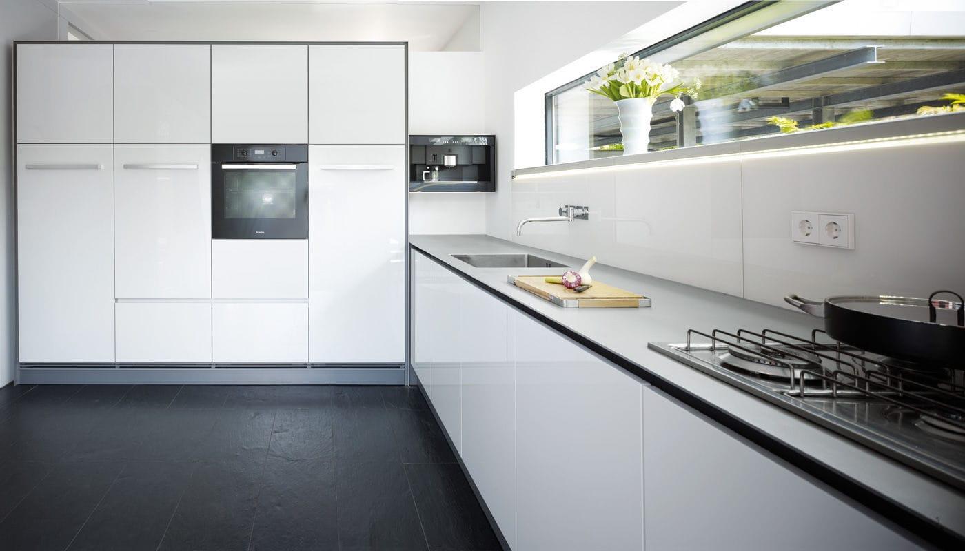 moderne küche / aus edelstahl / lackiert / hochglanz - house ... - Küche Bielefeld