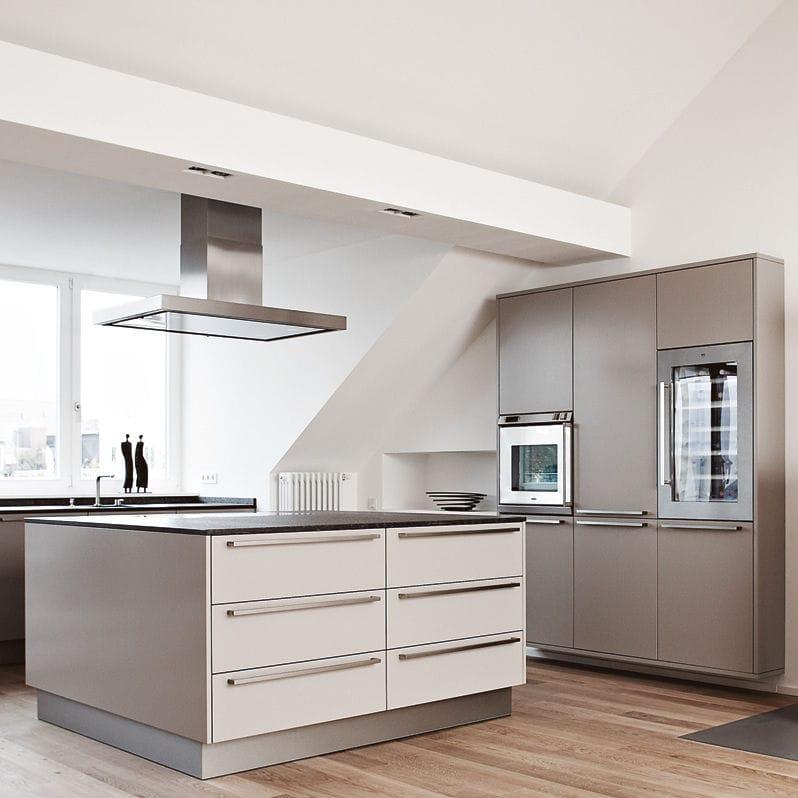 moderne küche / aus stein / holzfurnier / kochinsel - maisonette ... - Küche Cappuccino