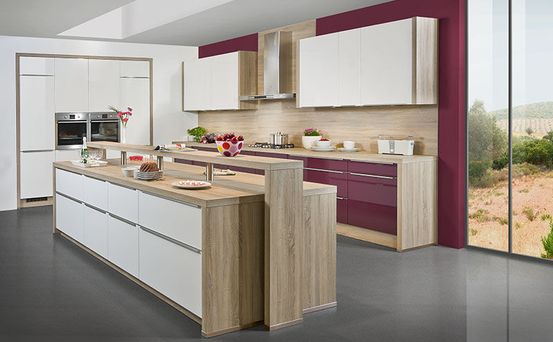 Moderne Küche / Holzfurnier / lackiertes Holz / Kochinsel - SKY ...
