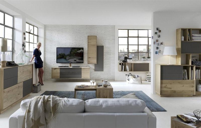 Moderne Wohnwand / Aus Eiche   LIV