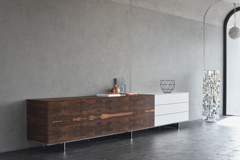 Massivholzmöbel sideboard modern  Wandmontiertes Sideboard / hoch / modern / Holz - SOMA - Kettnaker ...