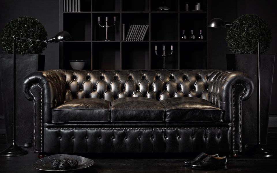 Chesterfield Sofa im modernen großzügigen Wohnzimmer
