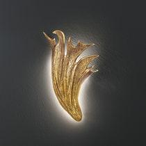 Wandleuchte / organisches Design / Metall / LED