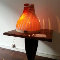 Tischlampe / originelles Design / Holz / für Innenbereich