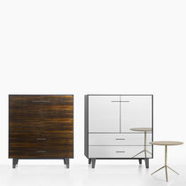 Hohes Sideboard / modern / lackiertes MDF / Holzfurnier