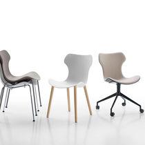 Moderner Stuhl / mit Rollen / Stapel / Polster