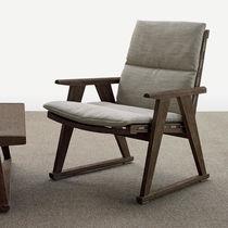 Moderner Sessel / aus Teakholz / Stoff / Kufen