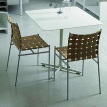 Moderner Stuhl / Stapel / mit Armlehnen / recycelbar