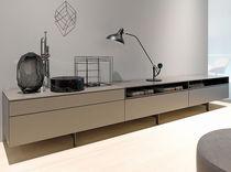 Modernes Sideboard / lackiertes Holz / Werner Aisslinger
