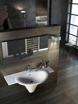 Wand-Waschbecken / Keramik / modern / mit integrierter Waschtischplatte