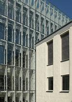 Keramik-Fassadenverkleidung / strukturiert