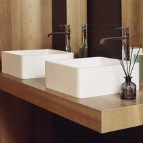 Aufsatzwaschbecken / quadratisch / Mineralwerkstoff / modern