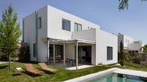 Individuelles Haus / aus Beton / modern / mit 2 Ebenen