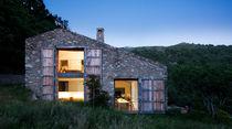 Tipen-Haus / modern / Beton / Metall