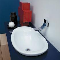 Einbauwaschbecken / oval / Keramik / modern