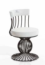 Stuhl / originelles Design / Gewebe / aus Metall / zentrales Fußgestell