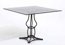 Klassischer Tisch / aus Marmor / quadratisch / Garten