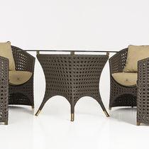 Moderner Tisch / aus geflochtenem Harz / rund / Garten