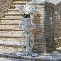 Moderne Vase / Eisen / beleuchtet