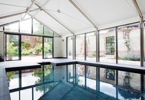 Erdverlegtes Schwimmbecken / Beton / nach Maß / Innenbereich