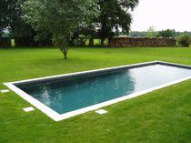 Erdverlegtes Schwimmbecken / Beton / Außenbereich
