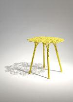 Beistelltisch / originelles Design / Stahl / rund