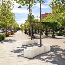 Betonbaumschutz / mit integrierter öffentlicher Bank
