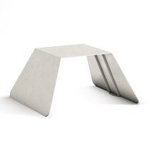 Moderner Hocker / verzinkter Stahl / für öffentliche Bereiche / Außen