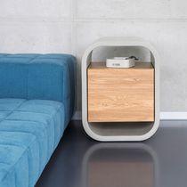 Moderner Nachttisch / aus Eiche / Massivholz / Beton