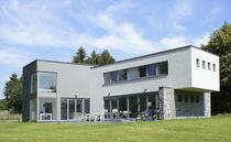 Fertigbauhaus / modern / Kreuzlagenholz / mit 2 Ebenen