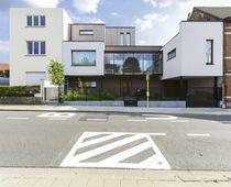 Fertigbauhaus / modern / Kreuzlagenholz / Öko