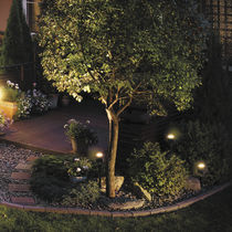 Bodenstrahler / wandmontiert / für Außenbereich / LED