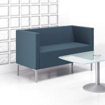 Modernes Sofa / Gewebe / aus Aluminiumguss / für öffentliche Einrichtungen