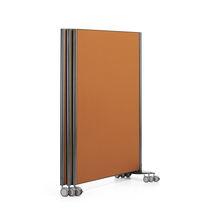 Schreibtisch Trennwand / Bodenmontage / Laminat / auf Rollen